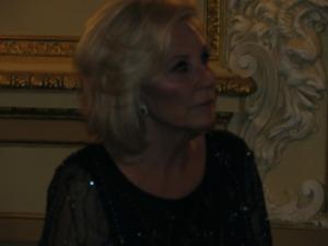 Mrs. Donna de Varona